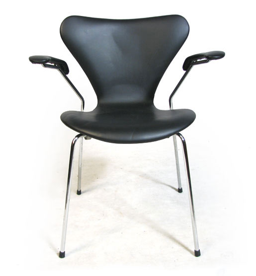 Model 3207 Leather Chair